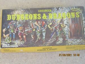 DUNGEONS AND DRAGONS  HIRELINGS  ASSORTED LEAD FIGURES 25 MM SCALE