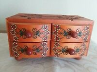 4 DRAWER HANDMADE  MADE IN POLAND JEWELRY BOX HANDPAINTED 7.75L GORGEOUS
