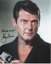SIR ROGER MOORE Signed 10X8 Photo JAMES BOND In LIVE AND LET DIE 007 COA