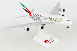 SkyMarks 880 Emirates Airbus A380 with Gear 'Real Madrid' 1/200 Scale Model