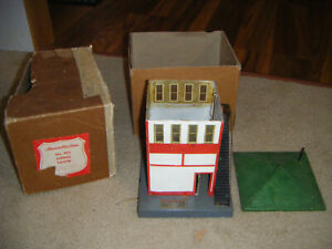 American flyer 593 signal tower with box