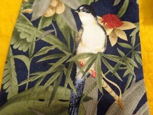 "TOMMY BAHAMA ~MENS SILK DRESS SHIRT SUIT TIE ~ GREEN w/ TROPICAL BIRDS ~ 56"""
