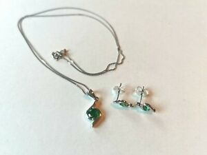 Miore Emerald necklace & stud earring set, white gold