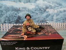King & Country  WWII Russian Ost-front Red Army Soldier Sitting Wounded  RA22