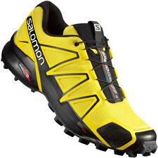 Scarpe sportive gialli di gomma