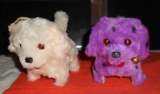 2 chiens robots avec piles (fournies) - 1 blanc + 1 violet a pois noirs
