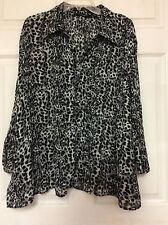 Womens blouse plus size 2X black gray animal print pleats Essentials Milano 104