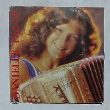 DANIELE PAULY Perles d accordeon ... SCA EX 017 AUTOPRODUIT Dédicacé devant
