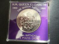 1990  £5 COIN (CROWN) CASED QUEEN MOTHERS  90TH BIRTHDAY 1990 FIVE POUNDS COIN.