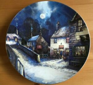 WEDGWOOD THE VILLAGE BY MOONLIGHT SERIES - THE WELCOME INN DECORATIVE PLATE