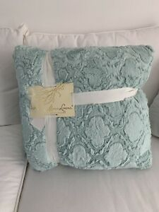 MARLO LORENZ NEW WITH TAGS  SET OF 2 FURRY SOFT PILLOWS MINT COLOR 20x20""