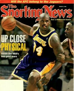 The Sporting News Basketball magazine, 3/9/98, Shaquille O'Neal, LA Lakers ~ VG