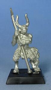 CITADEL - Chaos - Beastman Ungor Skirmisher with Spear (b) - Warhammer