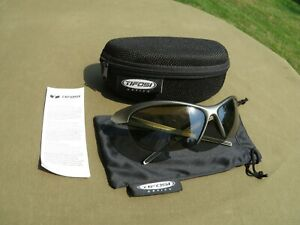 Tifosi Sunglasses- GOLF   cycling   SUMMER SUNGLASSES  EXCELLENT  $68r