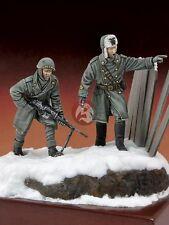 Royal Model 1/35 Italian Infantryman & Officer Russia 1943 WWII (2 Figures) 589