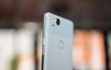 Google Pixel 2 - 4G LTE Unlocked Smartphone - Brand New Express Ship Worldwide