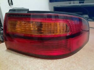 1998-1999 TOYOTA AVALON OUTER Tail Light Taillight Passenger Right RH Side Oem