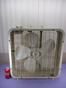 "Vintage Lakewood 20"" Box Fan Tan Cream Metal Frame 3-Speed w/ Thermostat WORKS!"
