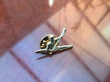VINTAGE GOLD METAL SMALL PIN BADGE LAPEL PIN CANOE CANOEIST SLALOM BOAT PIN
