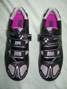 """""""BONTRAGER"""" WOMAN'S BLACK/GRAY CYCLING SHOES-CLEAT ATTACHMENT ON BOTTOM- 11 1/2"""