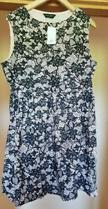 DOROTHY PERKINS DRESS FIT & FLARE SIZE 18 PALE PINK WITH BLACK FLOWER DETAIL