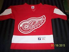 Vtg BRENDAN SHANAHAN Detroit Red Wings youth Small Logo 7 jersey good condition