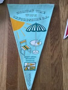 Camping Club Pennant -Oxfordshire D A - Holiday Time 1989