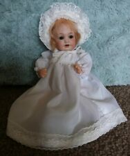 DELIGHTFUL LITTLE 9 INCH A M MOLD 971.