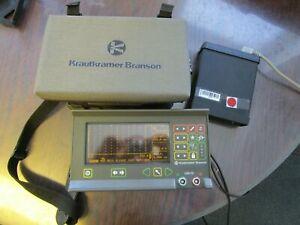 Tragbares Ultraschall Prüfgerät USN 50 mit AVG Krautkramer Fehlerdedektor
