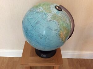 Natural History Museum Rotating Globe 40cm in height, Excellent Condition