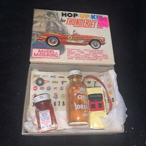 Vintage Model Motoring Aurora Slot Car Kit: HO Car Body / Racing oil