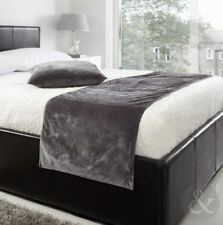 Just Contempo Contemporary Decorative Quilts & Bedspreads