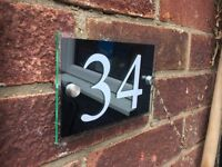 MODERN HOUSE SIGN PLAQUE DOOR NUMBER STREET GLASS ACRYLIC MULTIPLE COLOURS