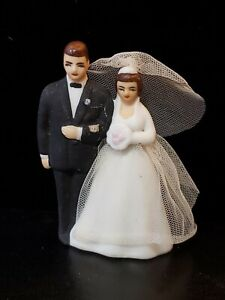 Vintage 1950-60s Porcelain WILTON Chicago Bride & Groom Brunette w/ Vail & Gown