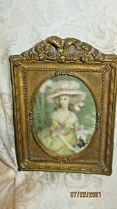 BEAUTIFUL SMALL ANTIQUE GESSO FRAME W/ BOW - MARIE ANTOINETTE W/ DOG PRINT