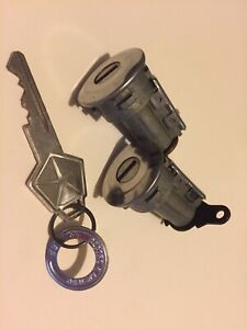 NEW Door Lock Cylinder Set w/Key / FOR LISTED PLYMOUTH MODELS 5070004