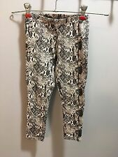 Black and white Faded Glory leggings girl's size XS(4-5)