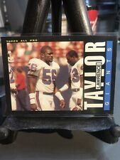 1985 Topps LAWRENCE TAYLOR #124