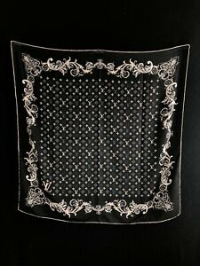 Louis Vuitton Silk scarf 90x90cm. Silk 100% Monogram