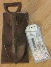 Esschert Design Cast Iron Knocker Spade Design