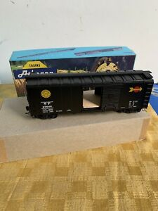 """Athearn HO Scale Southern Pacific 40' Box Car - """"Overnight"""" Black/White"""