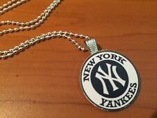 BALL CHAIN NECKLACE WITH BASEBALL NEW YORK YANKEES LOGO CAP PENDANT C245