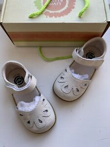 Livie & Luca Girls White Opal Petal Shoes Size 8 New