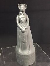 "WADE 'BENEAGLES WHISKY' ""MARY QUEEN OF SCOTTS"",PORCELAIN PEACE OF CHESS SET #GA"