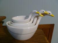 Vintage Retro (4) Ceramic Geese Nesting Measuring Cups