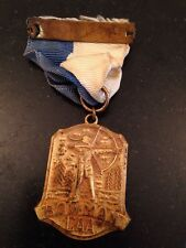 BOWMAN CAA Old Antique Gold Tone Archery Medal Pin Brooch Blue White Ribbon