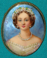 "WONDERFUL! ""Alix Of Hesse"" Hand Painted Russian Fedoskino MOP BROOCH Miniature"