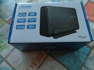 "Rosewill Armer RX307-PU3-35B USB 3.0 Aluminum 3.5"" HDD Enclosure SATA III UASP"