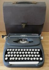 1960 Royal Dart Portable Typewriter D-5130770 with soft case - Working cond