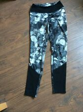 Women's North Face leggings black and grey floral pattern size small